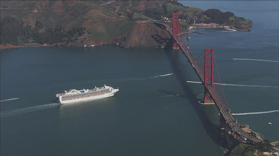 GRAND-PRINCESS-OCEAN-SIDE-GGB.jpg