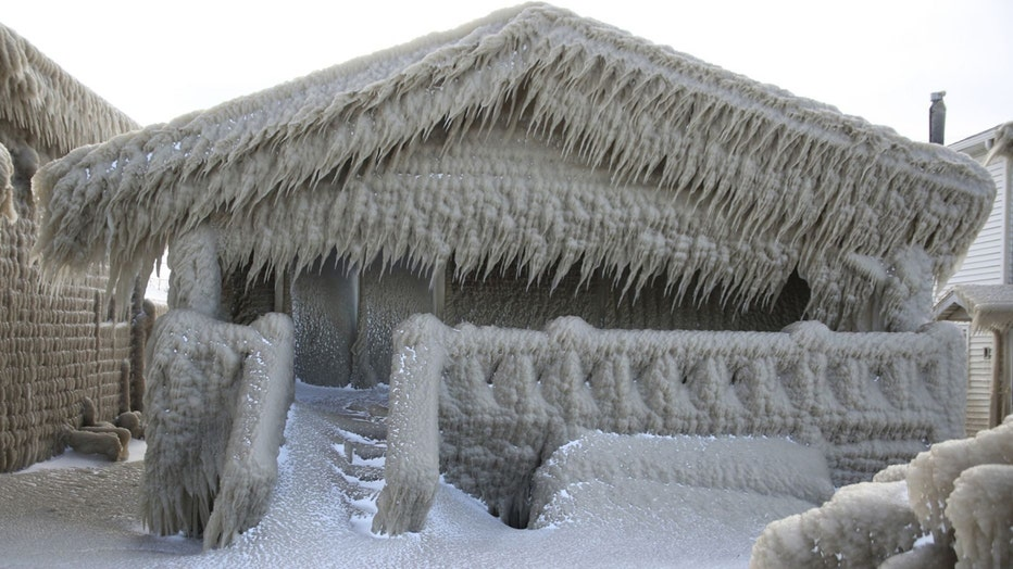 snowhouse4-resized.jpg