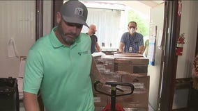 Two Pearland non-profits give 2,000 pounds of chicken to struggling families