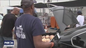 Houston church steps up to help the hungry during COVID-19 outbreak