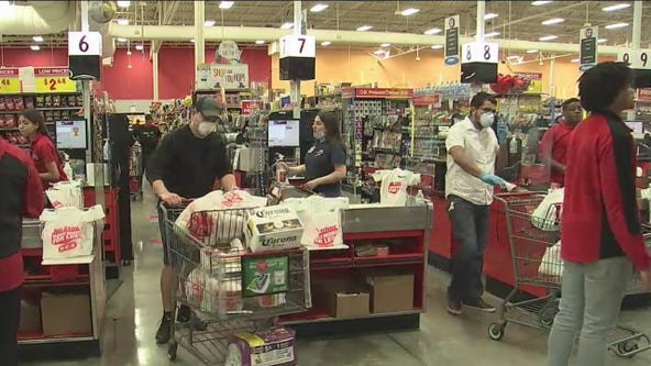 Good Samaritan pays for strangers' groceries