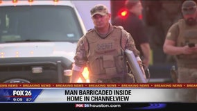 Man barricaded inside home in Channelview