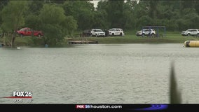Crews find body of man who drowned in Manvel lake