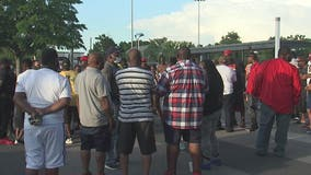 Houstonians gather to honor George Floyd, and protest police brutality