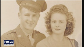 WW II hero shares memories