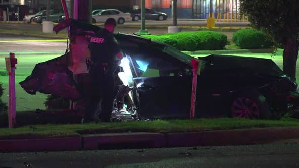 Teen dies in crash that split car apart in west Harris Co.