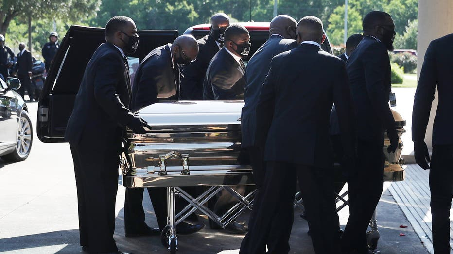 6 362 Mourners Pay Final Respects To George Floyd At Public Viewing In Houston