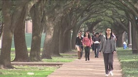 Emergency grants available for college students
