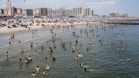 COVID-19 and heat: Temperatures, coronavirus cases climb in tandem across the US