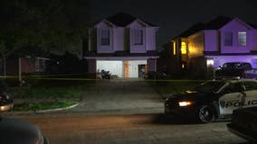 Police: Man fatally shot during argument at SW Houston home