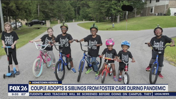 Couple adopts 5 siblings from foster care during pandemic
