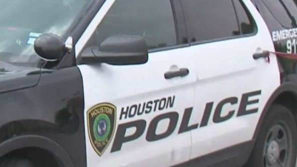 1 dead after 5-vehicle crash in north Houston