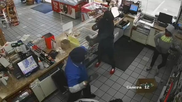 Police search for suspects who robbed Houston store, pointed guns at clerk