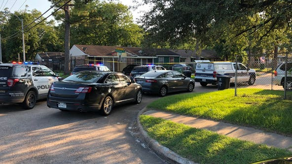 Police investigating homicide in NE Houston