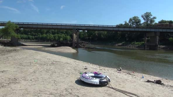 2 teens die trying to rescue 5-year-old girl from Trinity River