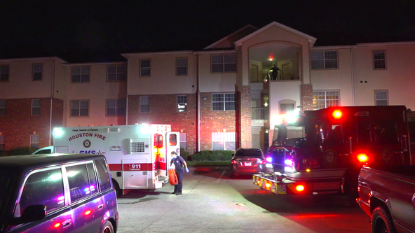 Woman shot in the chest in Houston, police investigating