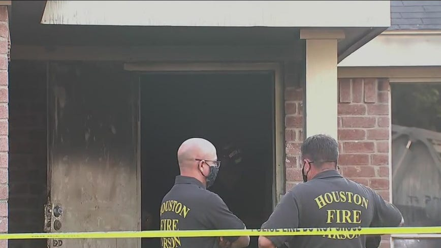Man dies in fire at group home in southwest Houston