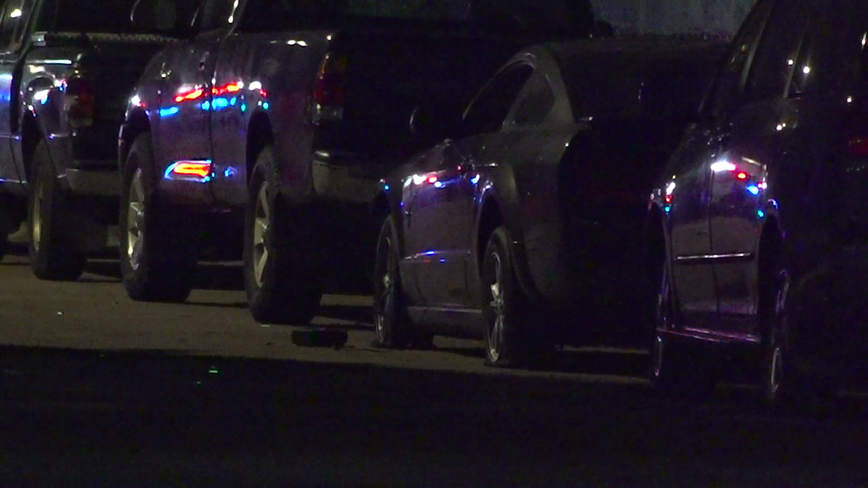 Three people shot in SW Houston, police investigating
