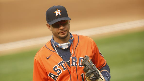 Yuli Gurriel takes pay cut to $7M to stay with Houston Astros
