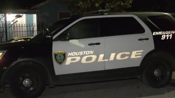 Houston Police investigate shooting after suspected home invasion