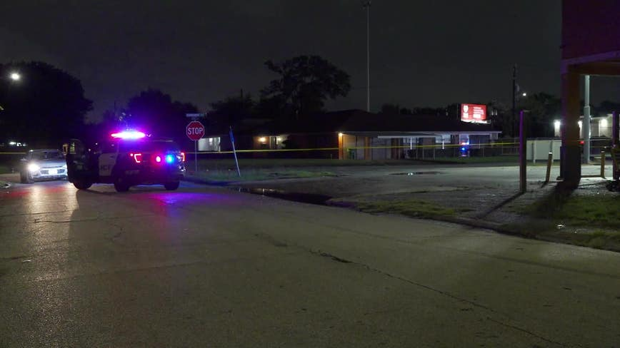 Man dies after shooting in north Houston parking lot