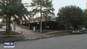Man found shot to death in parking garage in Houston's Museum District