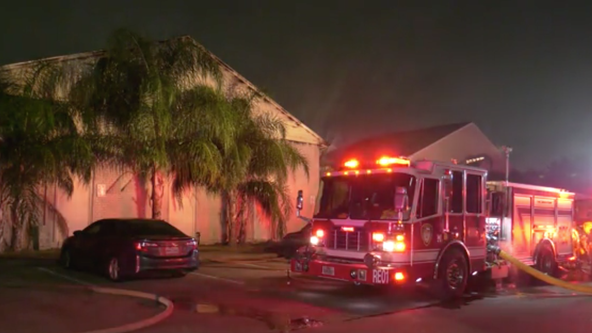 HPD officers rescue residents from apartment blaze in southwest Houston