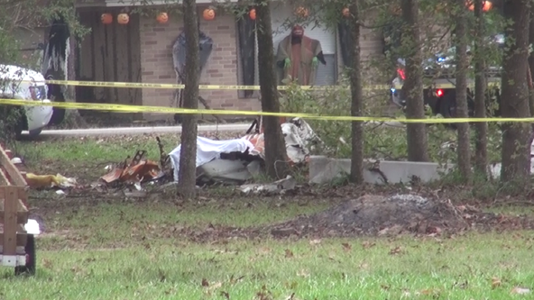 2 people dead after small plane crash in Montgomery County