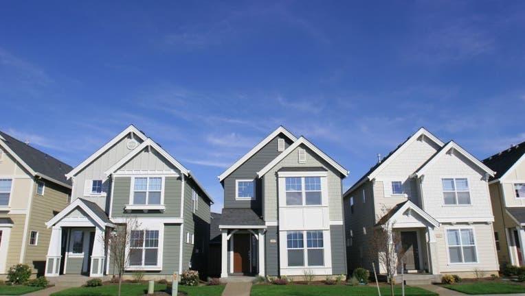 Credible-daily-mortgage-refi-rates-iStock-140396198-2.jpg