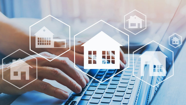 Credible-different-types-of-mortgages-iStock-1061234002.jpg