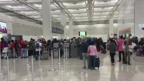 Houston airports prepare for 800k Thanksgiving travelers despite CDC's 'stay home' guidance