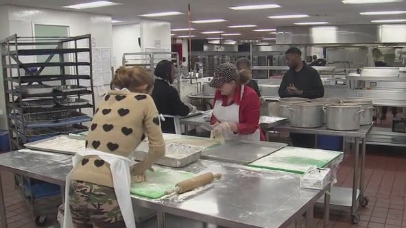 Houston-area Thanksgiving Day events work to help the needy despite COVID-19
