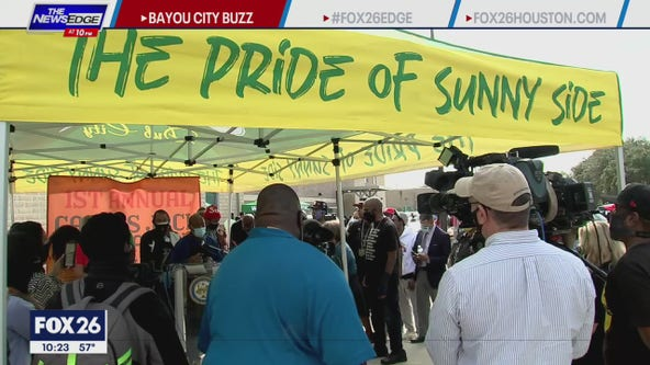 Houston-native Travis Scott gives away 1,000 turkeys in Houston