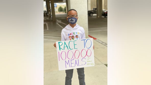 Kind-hearted 5th-grader doles out snacks, positive messages to 100,000 for Thanksgiving
