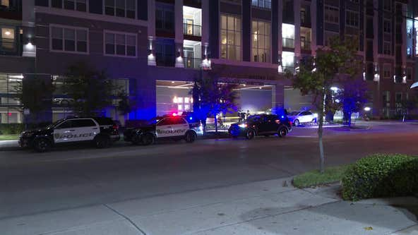 Man shot during robbery outside apartment complex near Houston's Midtown