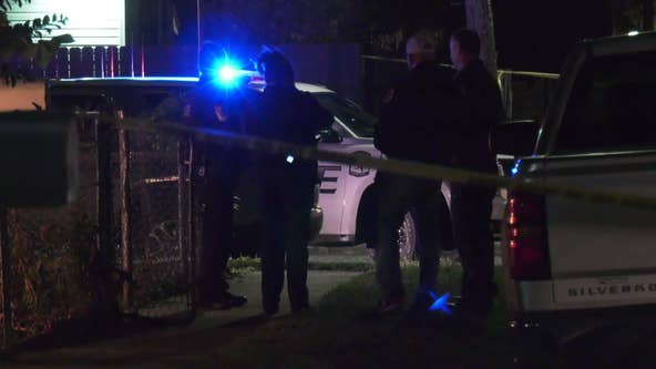 Police search for suspects after man shot, another assaulted in Baytown
