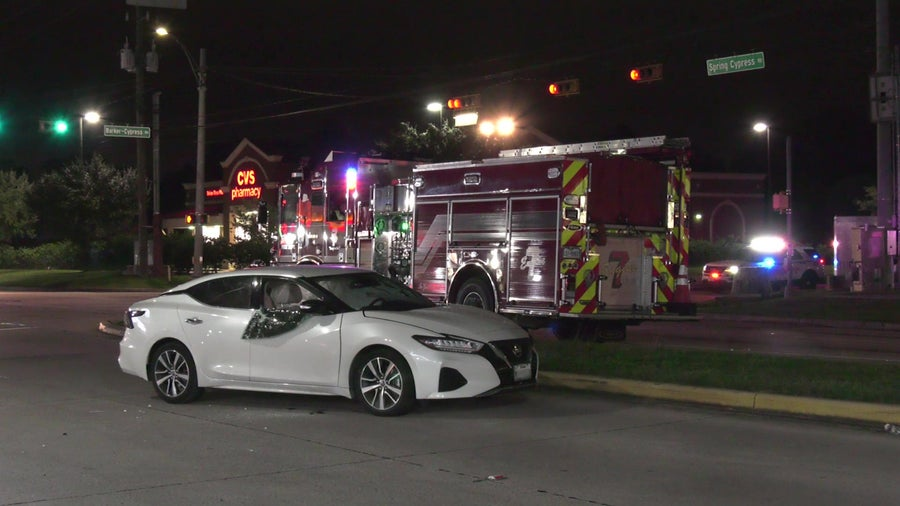 2 women hospitalized in critical condition after crash in NW Harris County