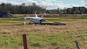 Small plane crashes in Manvel, authorities on scene