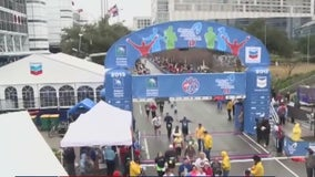 Runners begin 'virtual' Houston Marathon without fans or an official finish line
