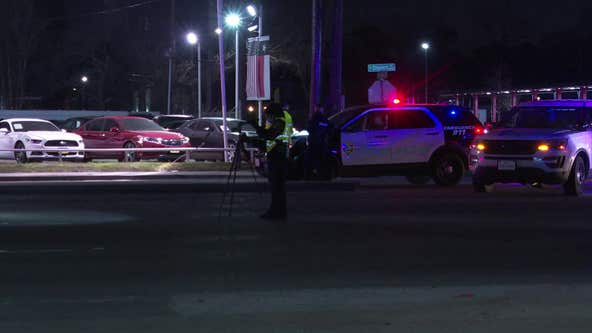 HPD: Driver left scene after fatally striking pedestrian in north Houston
