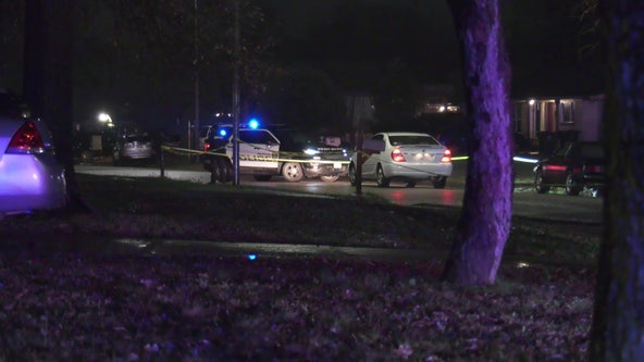 Police investigating deadly auto-pedestrian crash in NE Houston