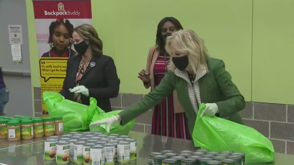 President Biden, first lady meet with volunteers at Houston Food Bank