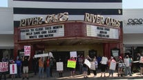 Houston River Oaks Theater at risk of closing