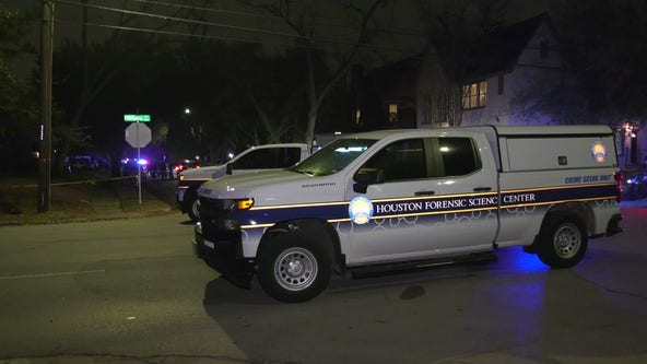 Man fatally shot in car on Houston's south side