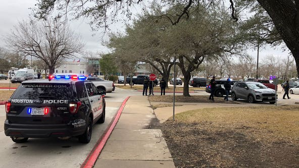 HPD: Suspect shoots his wife, fatally shoots himself at West Houston medical facility