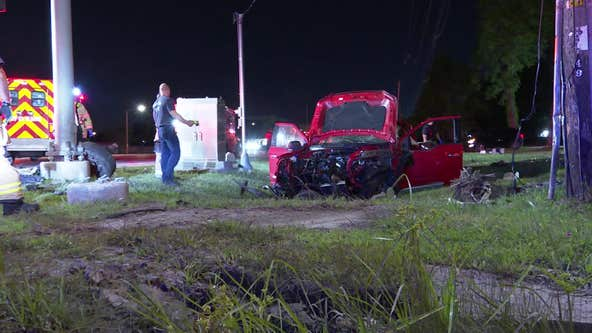 4 injured in 2-vehicle crash in northeast Houston