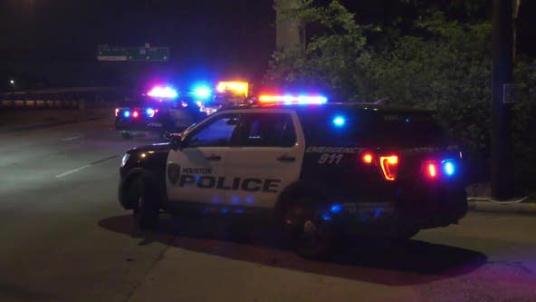 Police investigate deadly stabbing of man found along I-610 feeder in SW Houston