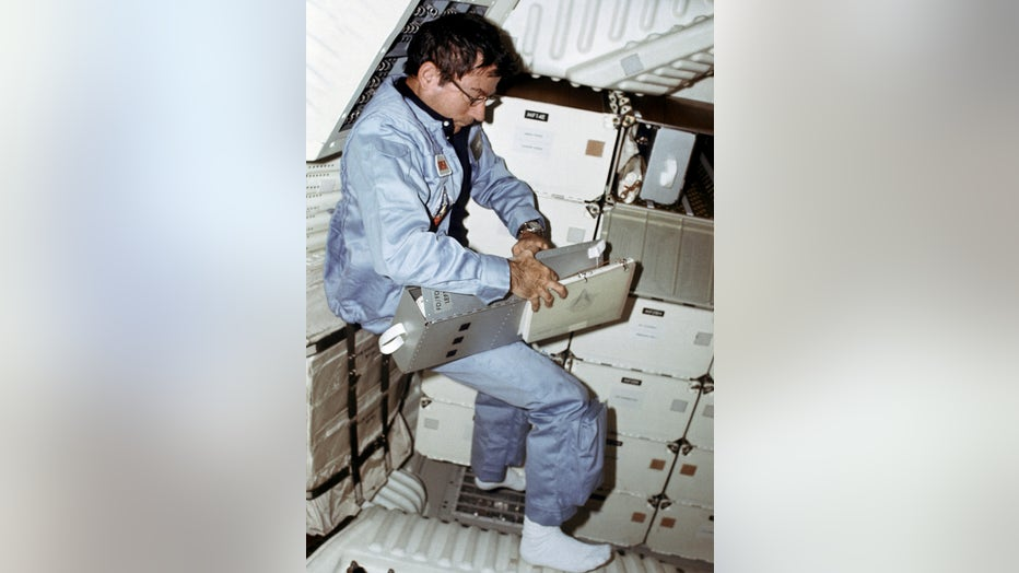 3980d5bc-STS1-13.jpg