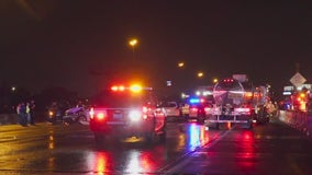 2 officers, 2 other drivers hospitalized after crash on Gulf Freeway
