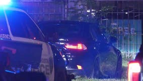 Driver seen throwing money out the window during chase with Houston police